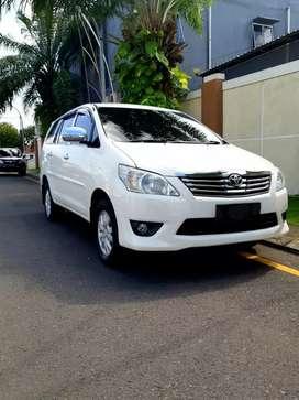 Toyota Kijang Innova Putih