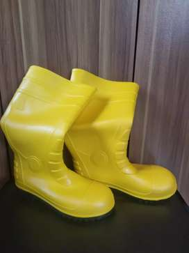Safety shoes / safety boots / krisbow