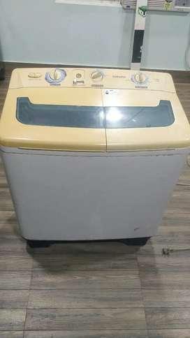 Samsung semi-automatic washing machine, in good condition