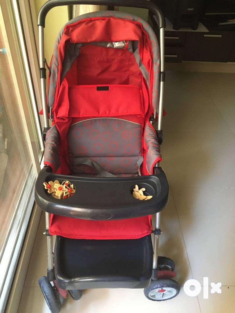 2 in 1 Rock and Stroller -Red and Baby Carrier 0