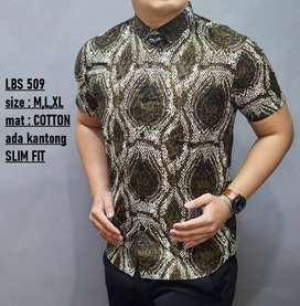 Kemeja batik slimfit pendek gunungan abstrak LBL509