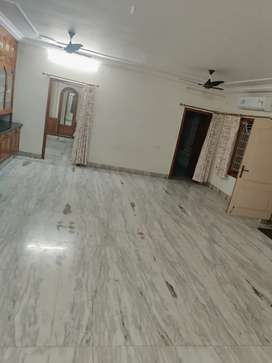 Luxurious,Homely PG accommodation for Women's,in LIC colony,benzcircle