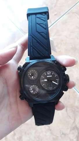 Jam tangan analog digital dgn 4 time yg aktif