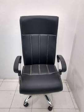 Brand new Boss chair at factory range