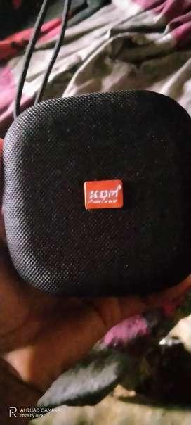 Kdm 1010 Bluetooth speaker