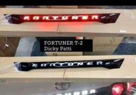 Fortuner dicky light rear light garnish