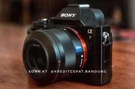 Kredit Kamera Mirroles Sony A7 Kit Dp cuma 1.4k