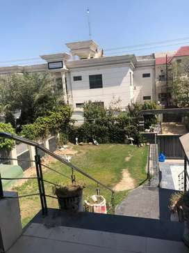 One kinal Upper Portion 2bed tvl dd for rent in A1 block johar town