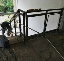 Reling tangga kaca dan balkon kaca $2715