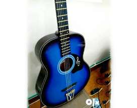 New Acoustic guitar of 3200 in 1800rs, best for beginners