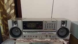 Technics boombox with 4 radio cassette and fm i