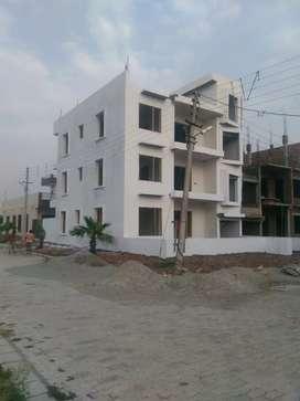 Corner . Near Noor Mahal sec.33