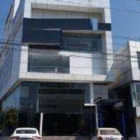 1650 Sq.ft Commercial Space for rent at Meenchantha.