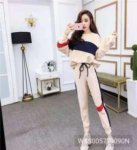 Women sport suit