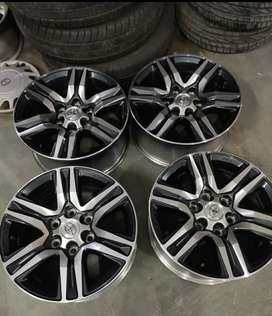 I want to sell fortuner 17 inch alloy wheels set of 4 .brand new.