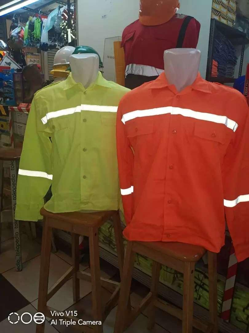 Baju Seragam Kerja Adem dan Murah di Jakarta 0