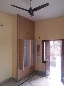 2 Room Set Near Bhutt Colny at Mukhani to Panchakki choraha Road