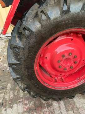 Mahindra 575 -2007 (New MRF TYRE )