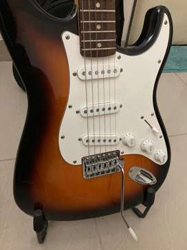 Fender Squier Affinity Strat Electric Guitar