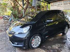 HONDA JAZZ RS MATIC 2013 HITAM