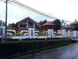 Rumah Mewah halaman luas