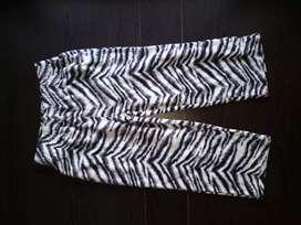 Sale celana panjang anak zebra hitam putih tebal anak cewek