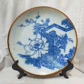 piring keramik antik  jepang biru putih list coklat