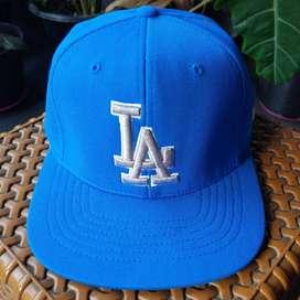 Topi Snapback LA Biru