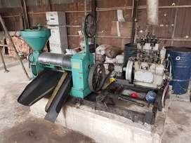 Mesin pres minyak inti sawit, kopra, dan ampas kelapa