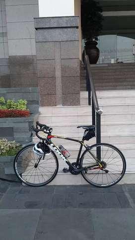 Roadbike Look765 made France giant carbonframe ultegra full