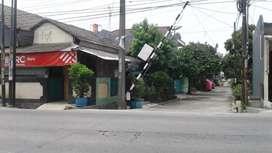 Bangunan pinggir jalan untuk Mini market