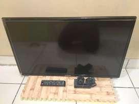 "DIJUAL CEVAT TV LED 32"" samsung UA32EH4000M (UNIT +REMOT) NO KAKI"