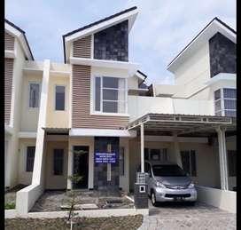 Dikontrakkan Rumah 2Lt Perumahan Ladiva Greenhill