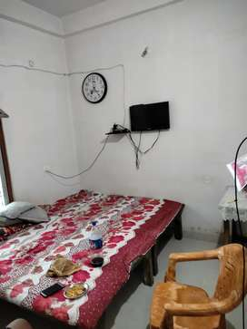 Room for rent 6000 and Electricity change Extra