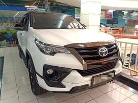 Toyota Fortuner VRZ 2.4 TRD Diesel Automatic/At 2020  servis record