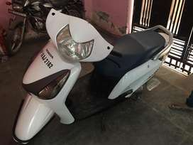 (Urgent) scooty in very good condition