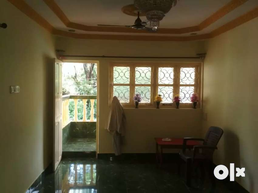 4bhk falt for sale with one shop in mapusa 0
