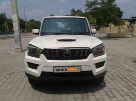 Mahindra Scorpio S8, 2014, Diesel