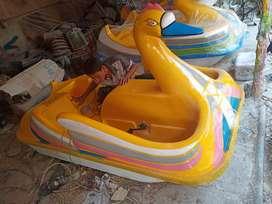 sepeda air bebek,perahu air bebek bebekan,jual wahana air bebek perahu