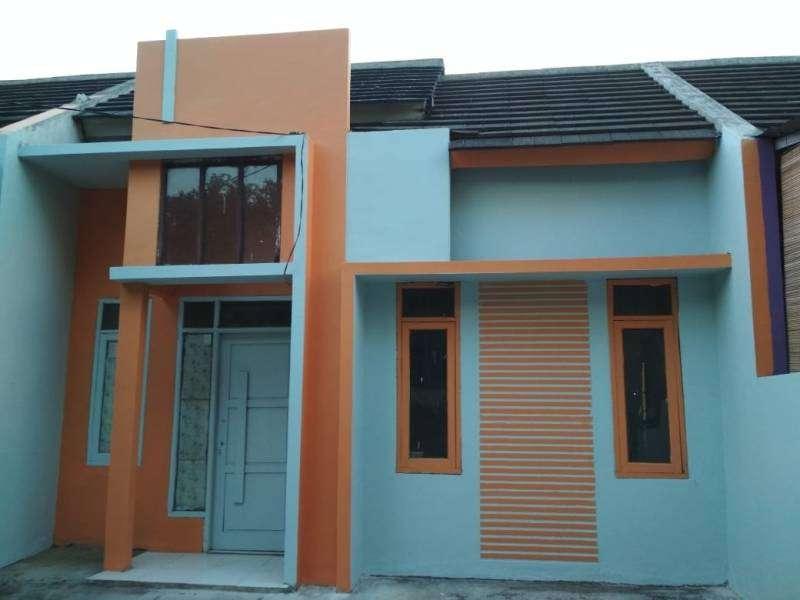 rumah murah dan desain minimalis dan berwarna lokasi strategis