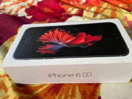 Iphone 6s 32 gb mint condition 3 years old