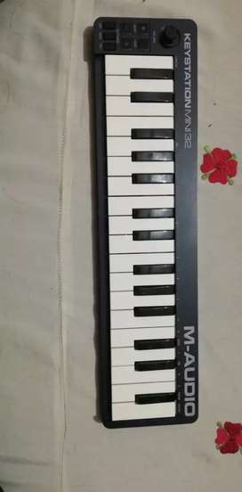 M-AUDIO MIDI MINI KEYBOARD 32 KEYS