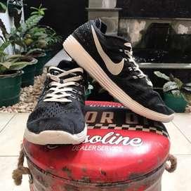 Sepatu Nike Lunar Tempo 2