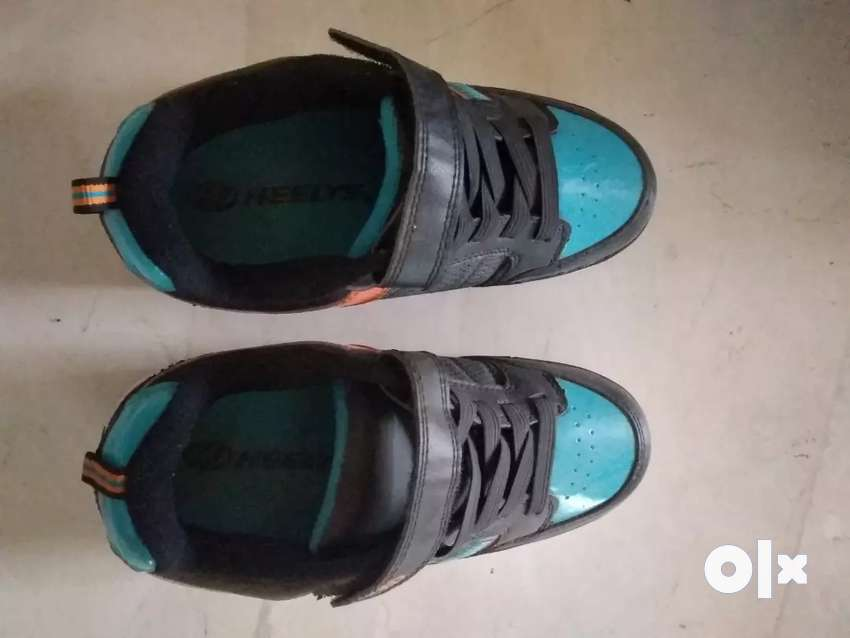 Heelys shoes with wheels 0