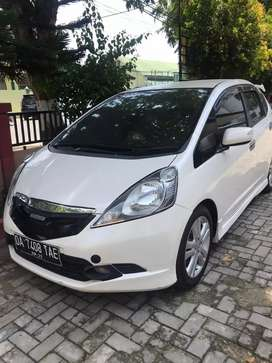 Honda Jazz RS 2010 putih