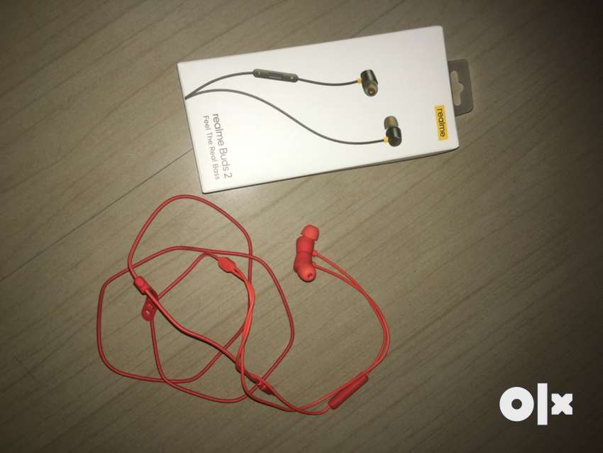 realme Buds 2 - Only 2 days old - excellent condition - full box
