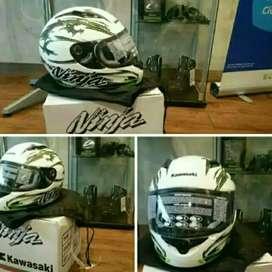 Helm helem full face ninja size M baru