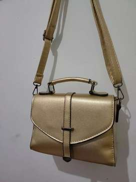 Tas wanita tas fashion warna gold