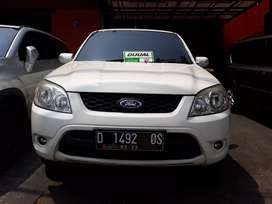 Ford Escape 2.4L Limited 4x2 Matic Sunroof 2010/2011 Mulus & Kinclong