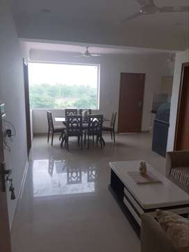 2 BHK APARTMENT IN MULTISORY BUILDING NEAR MAHAL ROAD.
